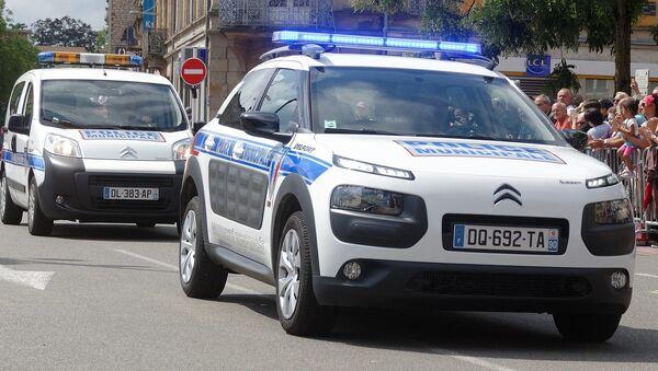 Voitures de la police municipale de Belfort lors du défilé de la Fête nationale. - Sputnik France