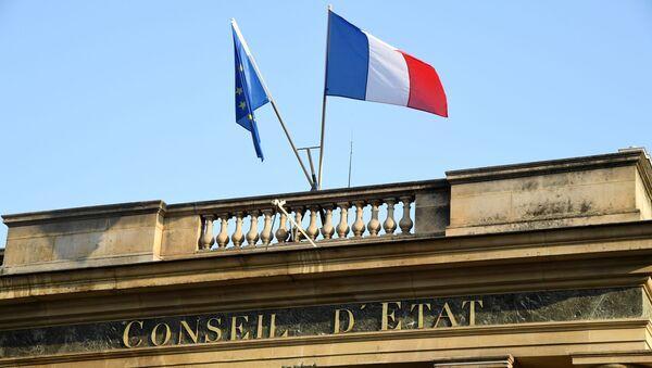 Une photo prise le 18 octobre 2018 sur la place du Palais Royal à Paris montre une vue de l'entrée du Conseil d'État français. - Sputnik France