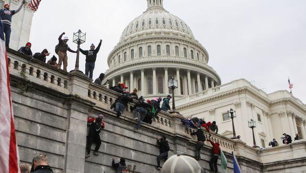 Situation autour du Capitole, envahi par des manifestants, le 6 janvier 2021 - Sputnik France