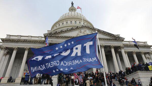 Assaut du Capitole à Washington par des pro-Trump - Sputnik France