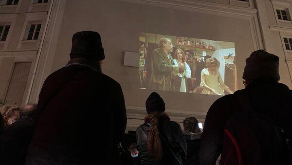 Des représentants des métiers du spectacle et de la restauration se sont réunis ce 9 janvier pour protester de façon créative contre la fermeture de leurs établissements   - Sputnik France