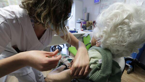 Vaccination contre le Covid-19 dans un ehpad de Villeneuve-Loubet, en France (archive photo) - Sputnik France