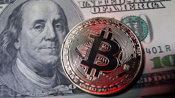 Dollars et Bitcoin - Sputnik France