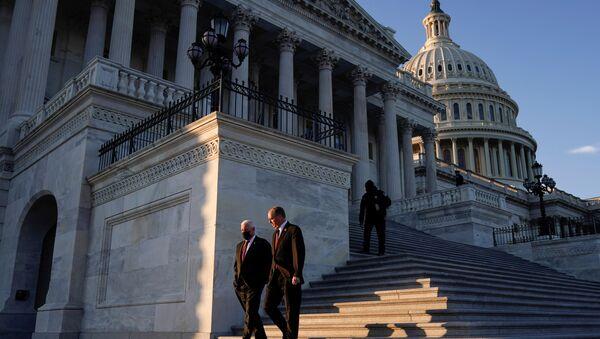 Le Capitole après que l'ouverture d'une procédure de destitution contre Trump a été approuvée par la Chambre des représentants, le 13 janvier - Sputnik France