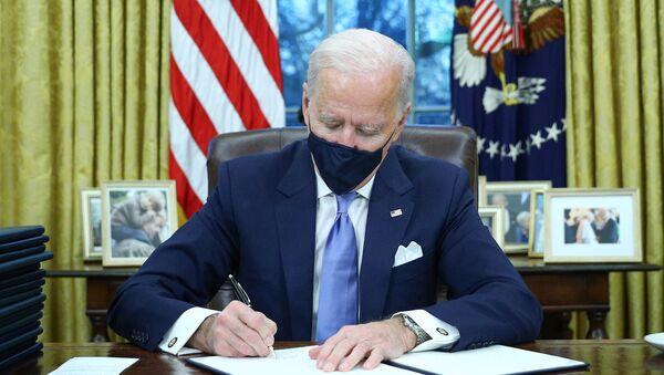 Joe Biden dans le Bureau ovale de la Maison-Blanche - Sputnik France