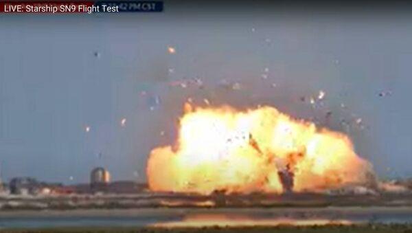 Le prototype Starship de SpaceX explose à l'atterrissage - Sputnik France