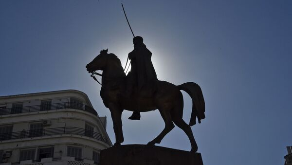 Statue commémorative de l'émir Abdelkader, à Alger - Sputnik France