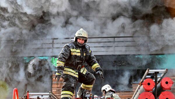 Un pompier en Russie, image d'illustration - Sputnik France