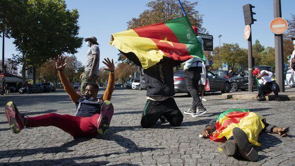 Manifestation contre le président camerounais Paul Biya, près de l'ambassade du Cameroun à Paris le 22 septembre 2020. - Sputnik France