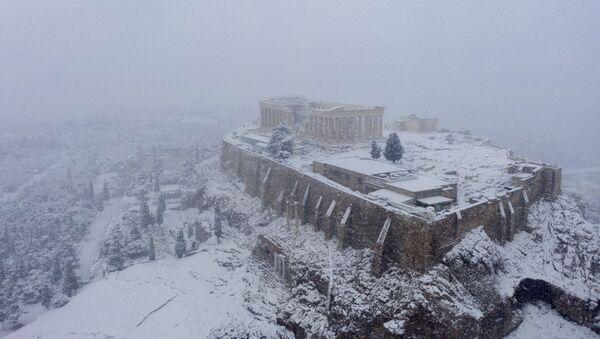 Une chute de neige à Athènes, le 16 février 2021 - Sputnik France