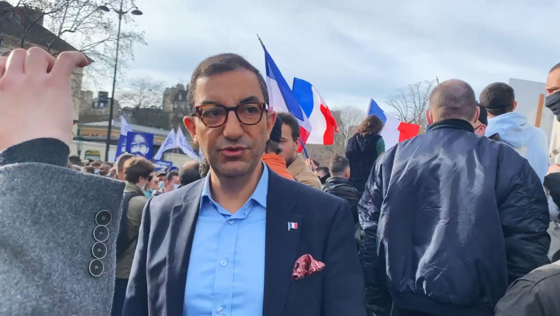 Jean Messiha lors de la manifestation contre la dissolution de Generation Identitaire, le 20 février 2021 - Sputnik France, 1920, 28.06.2021