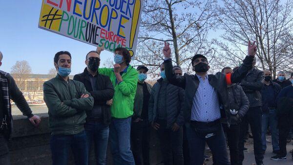 Manifestation des chauffeurs VTC contre la loi Uber, le 24 février 2021 à Paris - Sputnik France