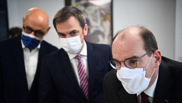 Jean Castex et Olivier Véran visitent un centre de santé  - Sputnik France