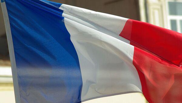 Le drapeau français  - Sputnik France