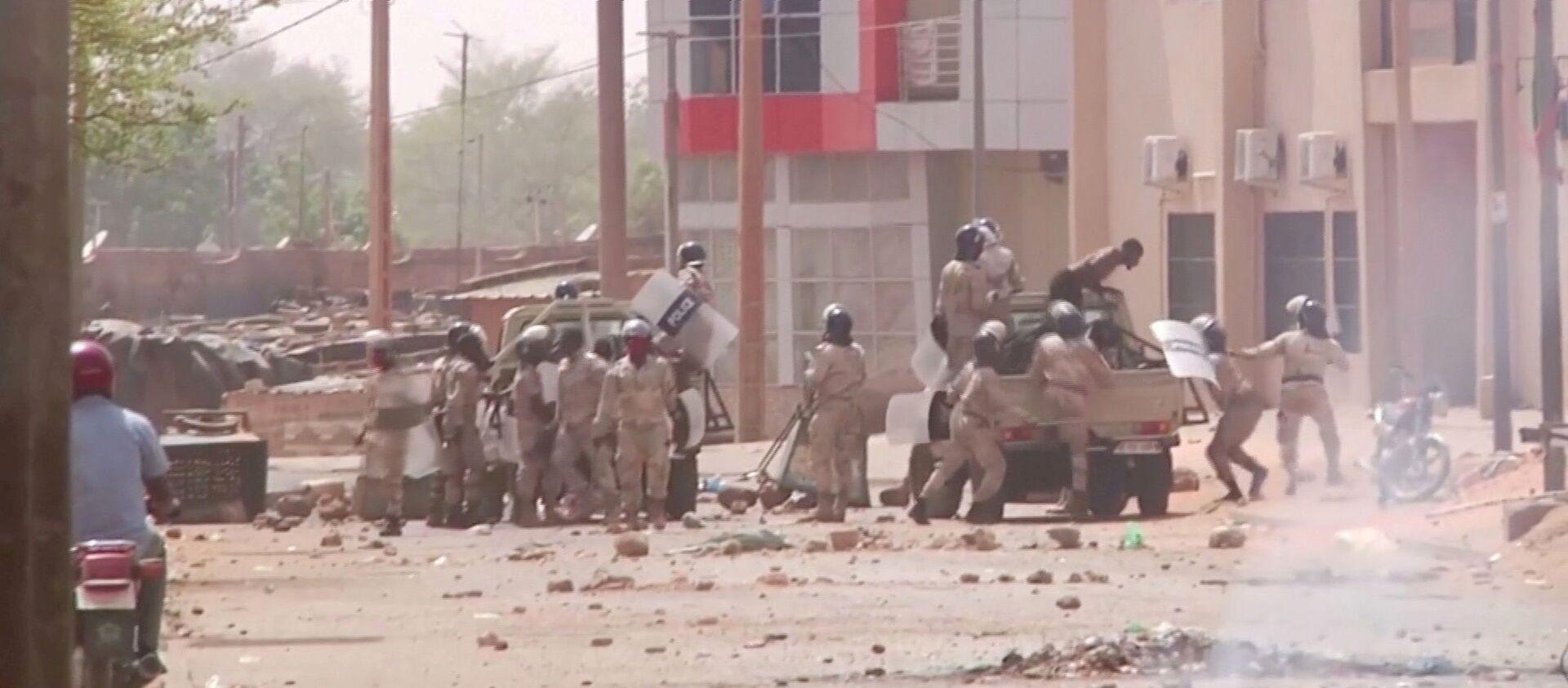 Répression des manifestations postélectorales à Niamey, Niger, le 24 février 2021. - Sputnik France, 1920, 26.02.2021