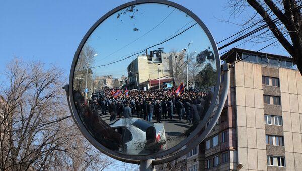 Une manifestation de l'opposition à Erevan, le 26 février 2021 - Sputnik France