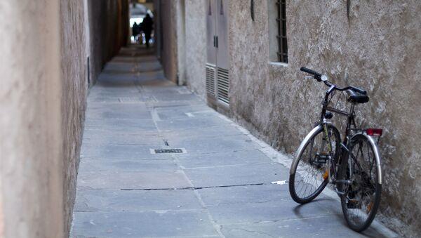 Un vélo dans une rue de Bolzano (archive photo) - Sputnik France