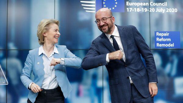 La présidente de la Commission européenne Ursula von der Leyen et le président du Conseil européen Charles Michel lors d'un sommet européen à Bruxelles, le 21 juillet 2020. - Sputnik France