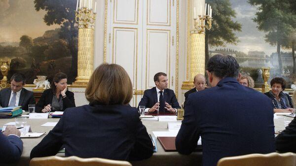 Emmanuel Macron en conseil des ministres - Sputnik France