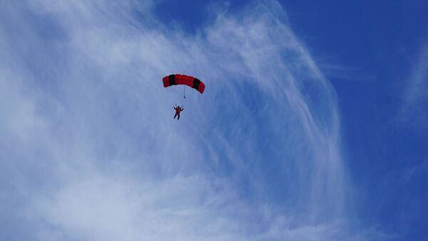 Un parachutiste (image d'illustration) - Sputnik France