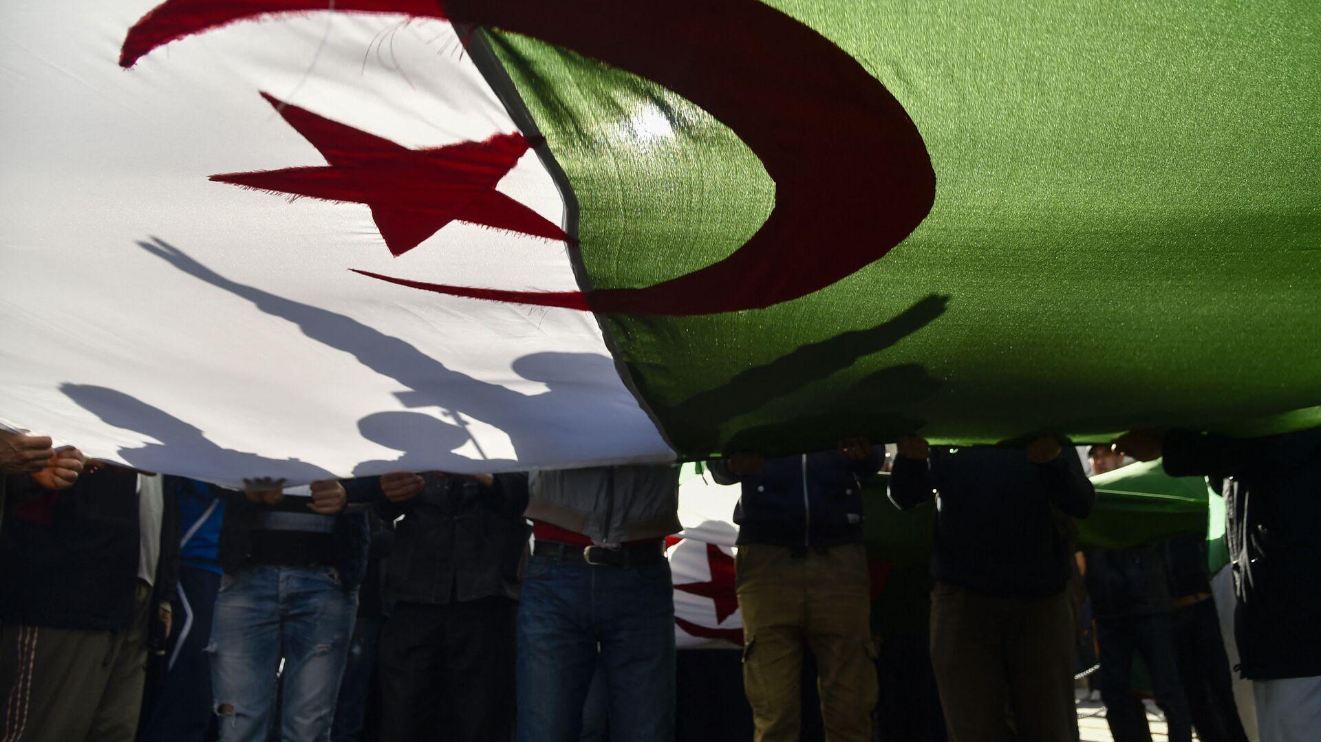 Le drapeau de l'Algérie - Sputnik France, 1920, 07.08.2021