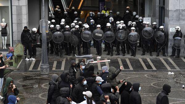 Des incidents dans le centre de Liège en marge d'une manifestation le 13 mars - Sputnik France