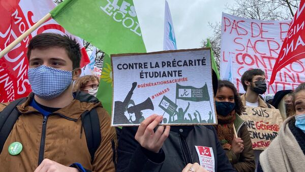 Manifestation étudiante contre la précarité à Paris - Sputnik France