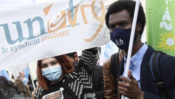 Manifestation de l'Union nationale des étudiants de France (UNEF) contre la précarité étudiante en raison de la crise sanitaire liée à l'épidémie de Covid-19, mars 2021 - Sputnik France