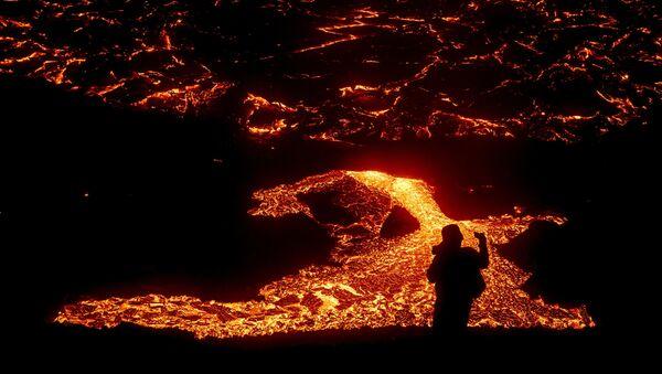 Le volcan Fagradalsfjall en éruption - Sputnik France