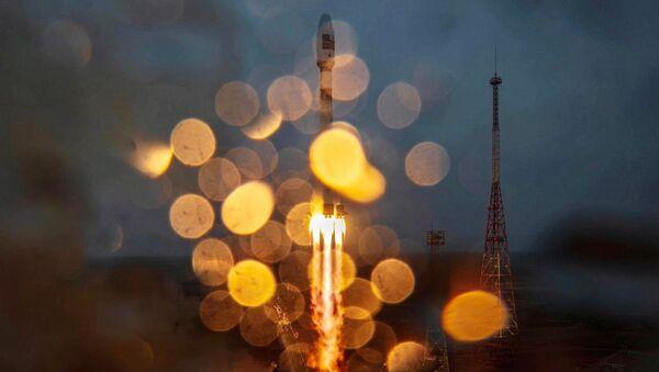 Lancement de la fusée Soyouz 2.1a avec l'étage de propulsion Fregat, le 22 mars 2021 au cosmodrome de Baïkonour - Sputnik France