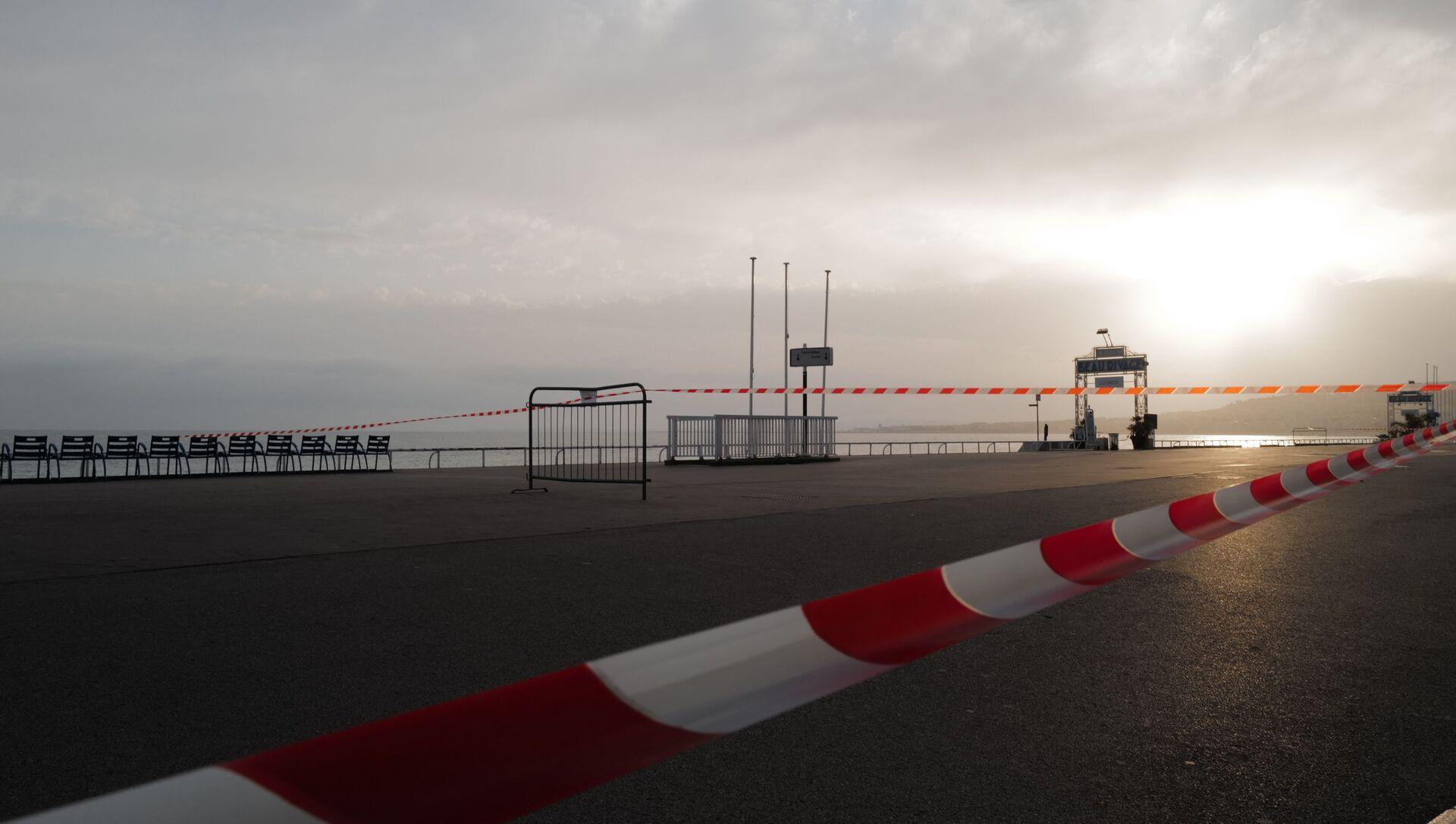 La promenade des Anglais en plein confinement à Nice, février 2021 - Sputnik France, 1920, 27.07.2021