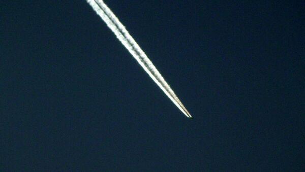 Une traînée de condensation - Sputnik France