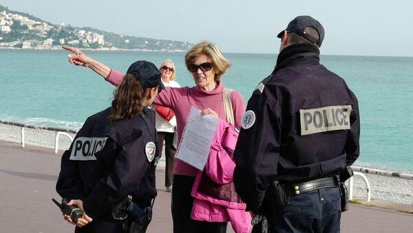 Un contrôle de police  - Sputnik France