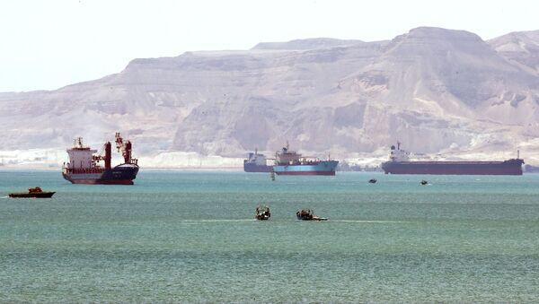 Navires à l'entrée du canal de Suez (archives photo) - Sputnik France