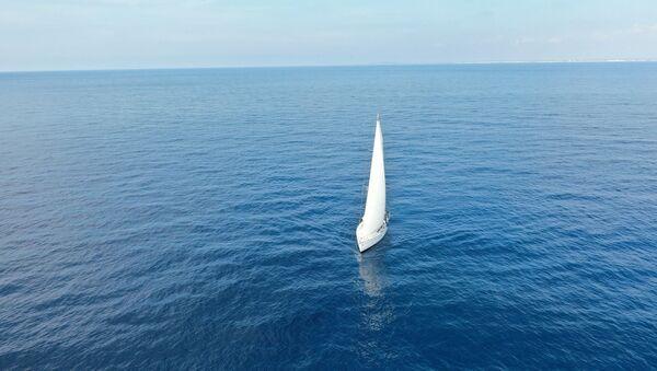 un bateau à voile - Sputnik France