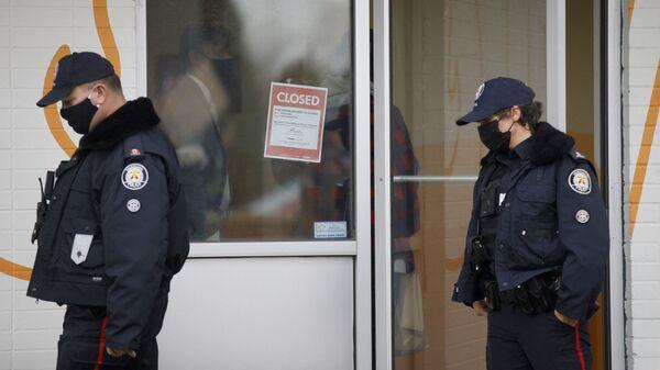 Des agents de police de Toronto - Sputnik France