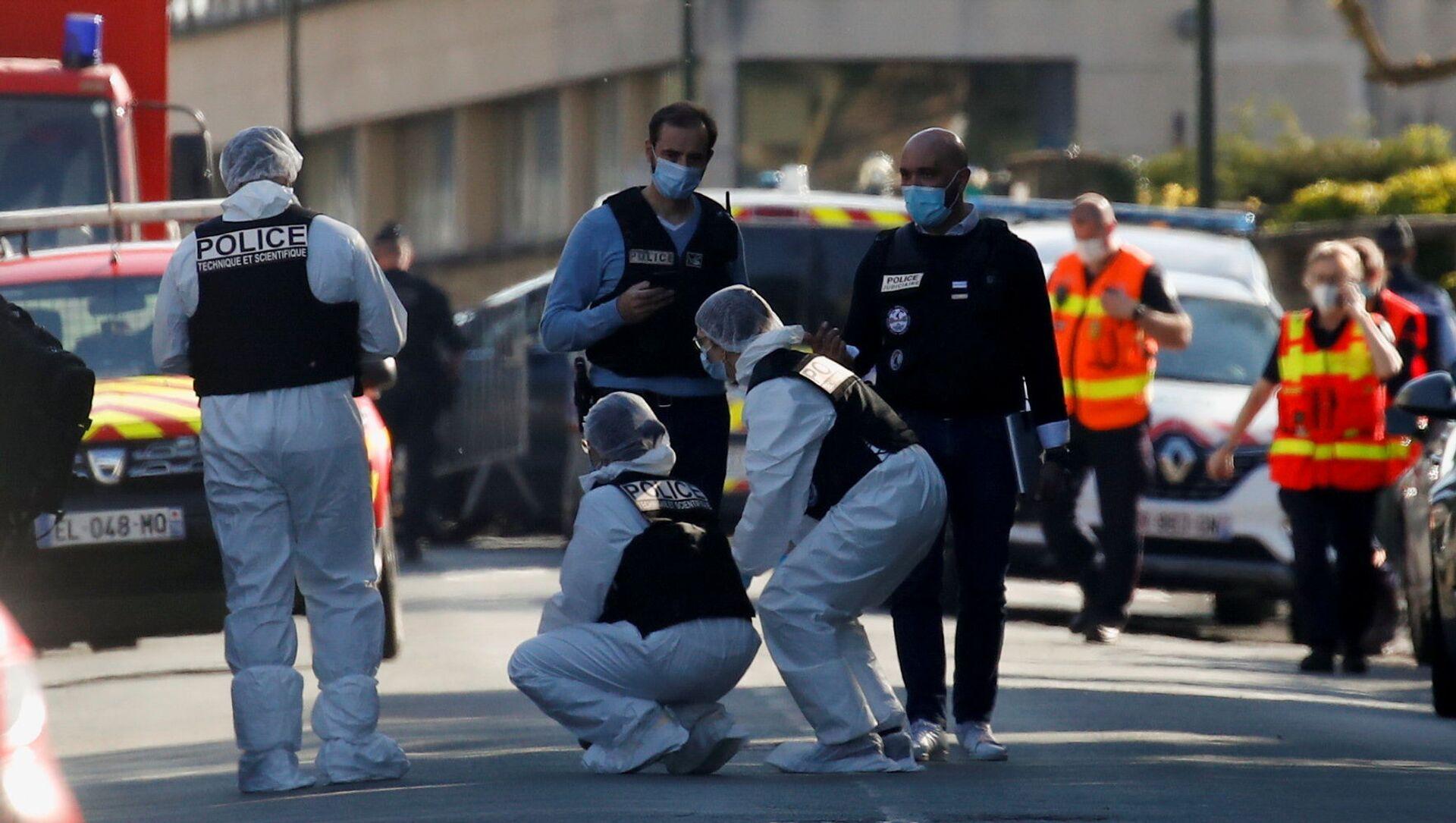 Policiers à Rambouillet après l'attaque au couteau, 23 avril 2021 - Sputnik France, 1920, 25.04.2021