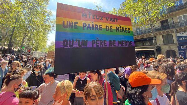 PMA pour toutes: marche pour défendre les droits des lesbiennes à Paris, le 25 avril 2021 - Sputnik France