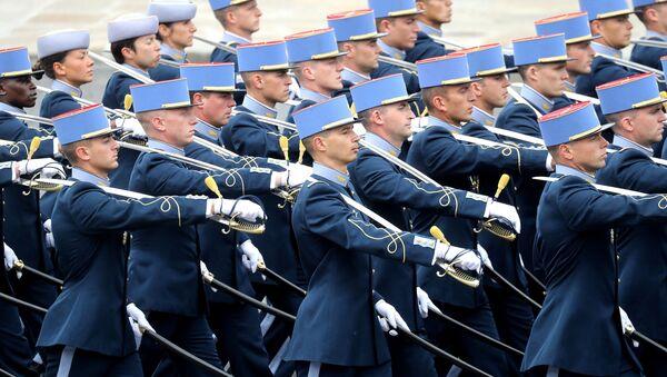 Un défilé militaire à Paris (archive photo) - Sputnik France