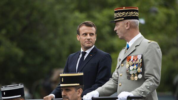 Emmanuel Macron et François Lecointre, Chef d'Etat major des armées - Sputnik France