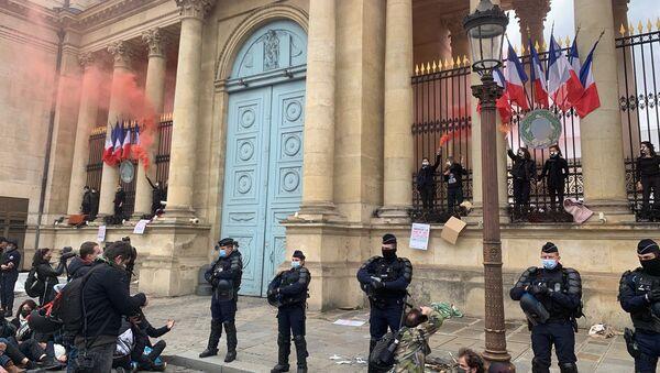 Action d'Extinction Rebellion à l'Assemblée nationale, 4 mai 2021 - Sputnik France