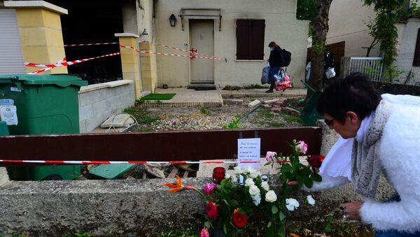 Hommage à Chahinez B., immolée par le feu par son mari près de Bordeaux, à Mérignac - Sputnik France