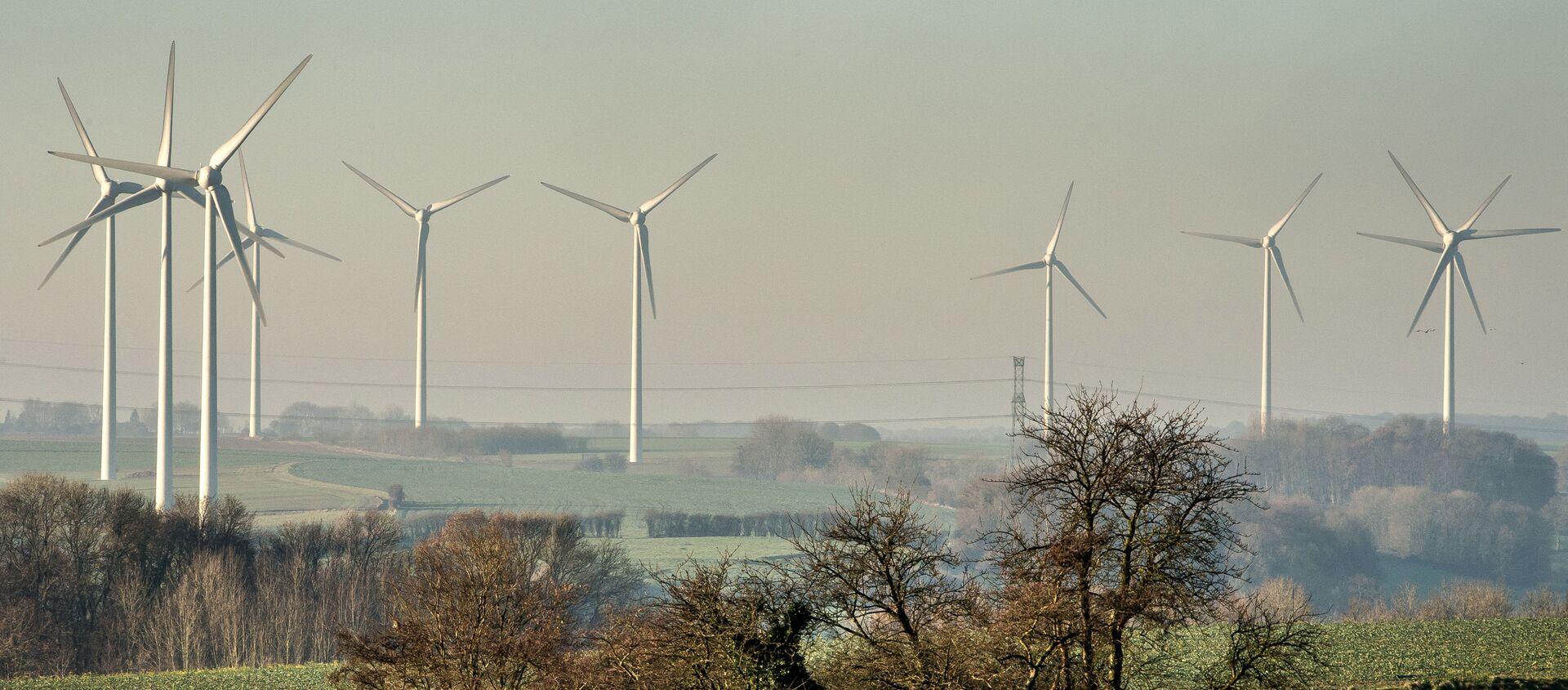 Éoliennes à Fruges, nord de la France, le 28 novembre 2016. (PHILIPPE HUGUEN / AFP) - Sputnik France, 1920, 08.05.2021