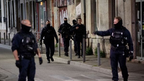 Situation à Avignon après le meurtre du policier lors d'une opération anti-drogue - Sputnik France