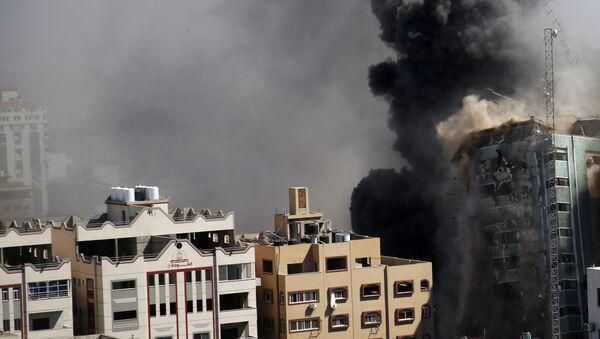 L'immeuble abritant plusieurs médias internationaux s'effondre à Gaza, le 15 mai - Sputnik France