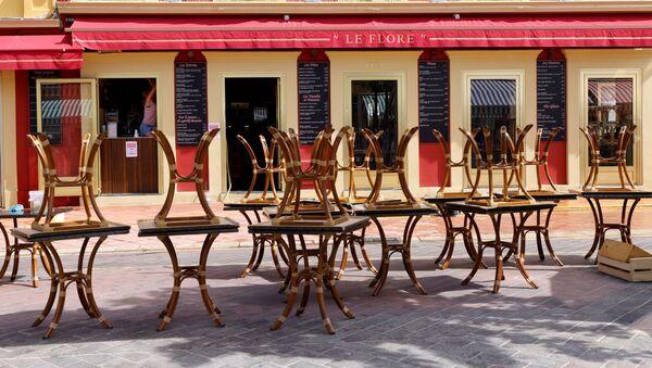 Tables sur une terrasse à Nice  - Sputnik France