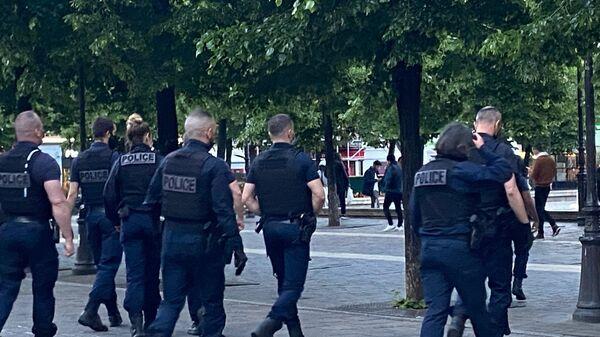 Policiers à Paris - Sputnik France