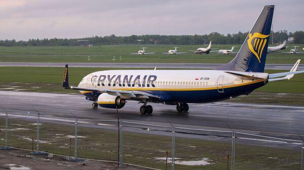 un Boeing 737-8AS de Ryanair à Vilnius - Sputnik France