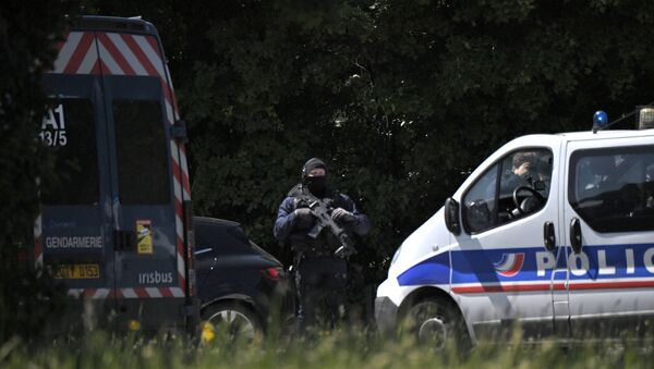 Les forces de l'ordre près du site de l'attaque contre une policière à La Chapelle-sur-Erdre - Sputnik France