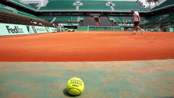 Un court de tennis à Roland-Garros (Photo de JACQUES DEMARTHON / AFP) - Sputnik France